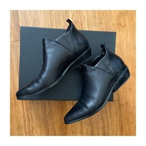 Ankle bootie, black, by Kendall& Kylie